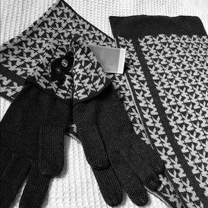 MICHAEL Michael Kors Accessories - Micheal Kors scarf&&gloves